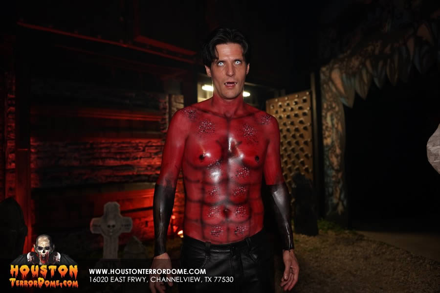 Devil Shows off his airbrushed Abs