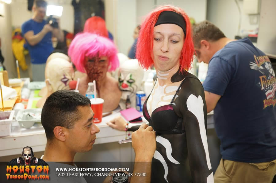 Zombie Dancer getting body painted by Longoria Bodyart